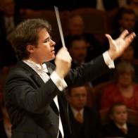 Jakub Hru�a - conductor