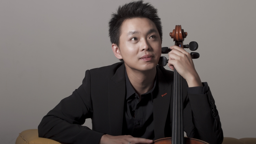 Li-Wei Qin - preferred headshot 2012 (credit Dong Wang).jpg
