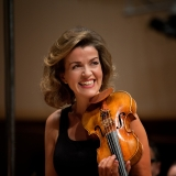 Anne-Sophie Mutter 3 - Image Credit, Deutsche Grammophon.jpg